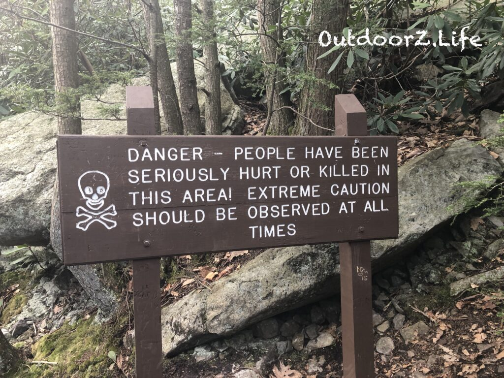 Picture of a danger sign on a trail